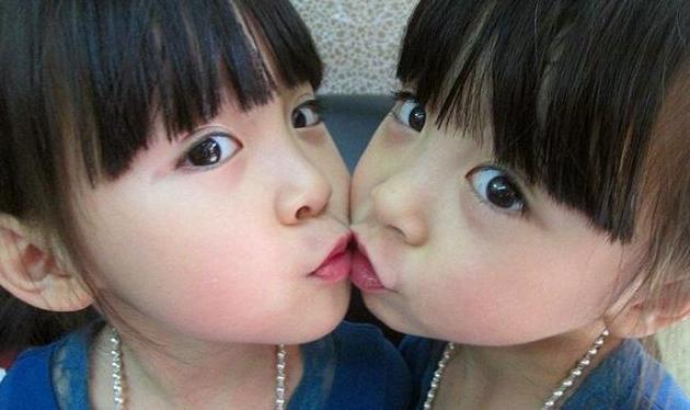 搞笑段子:双胞胎兄弟说所有一切都可以分享,只有一个不可以