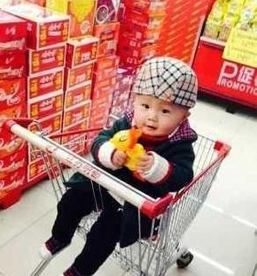 和喜欢的你一起逛超市,带着孩子般的淘气,带着烟火气的幸福!