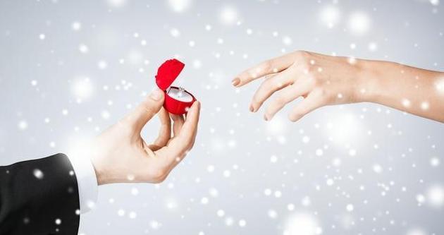 2019哄女朋友开心的暖心情话  甜甜的撩人心扉的爱情句子