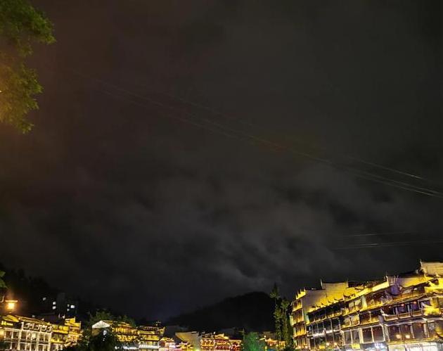 向南方一一凤凰古城:雨夜沱江岸,听雨听涛听心