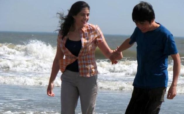 相爱容易相守难,普通人的跨国恋,风雨同舟十三年
