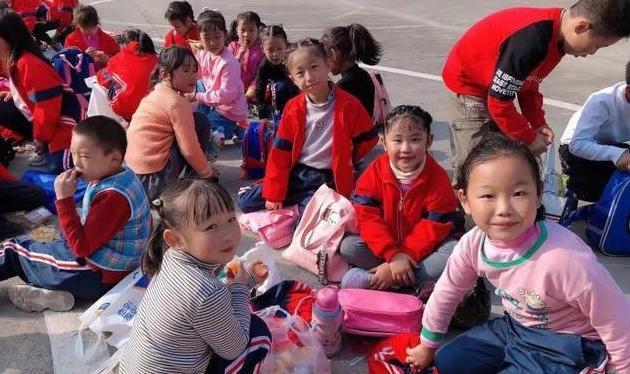 爱在春天,乐在自然——记青山实验学校小学部东校区春游活动