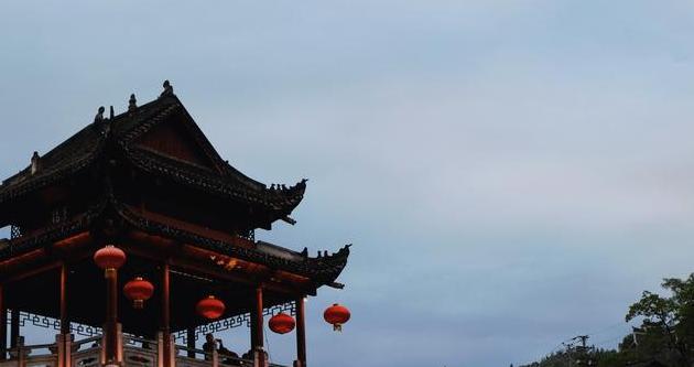 """一场特别的""""蜜月"""",一段美好回忆,这个季节,相逢凤凰古城"""