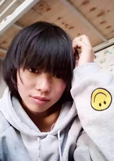 贵州高三作家婵灵:情感美文/《你是谁》