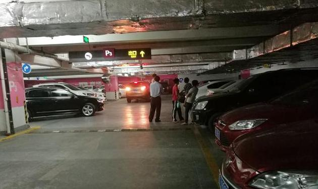 在淄博周末陪孩子,去商场是一种最简单的选择