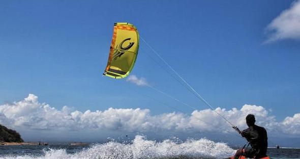 关于放风筝的心情说说 放风筝感悟人生的句子